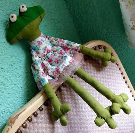 Текстилна играчка Жаба Играчка жаба Ръчно изработена играчка