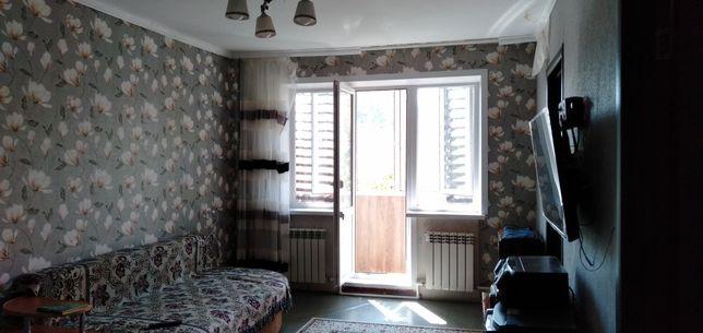 Продам 4-хкомнатную квартиру на 6 мкр.