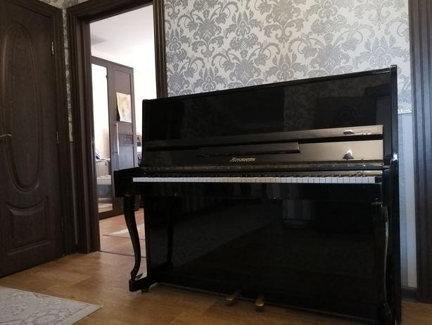 Фортепиано срочно продам