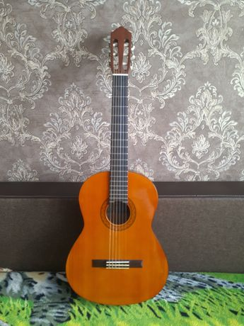 Гитара Yamaha c-40 продам