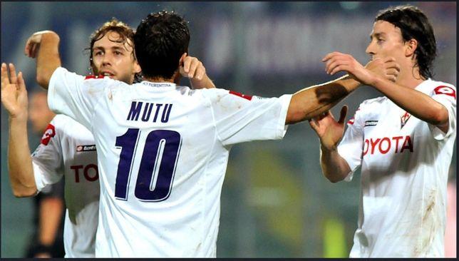 Bluza semnata de Adrian Mutu - Fiorentina