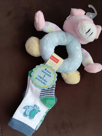 Бебешки чорапки с играчка подарък бебе