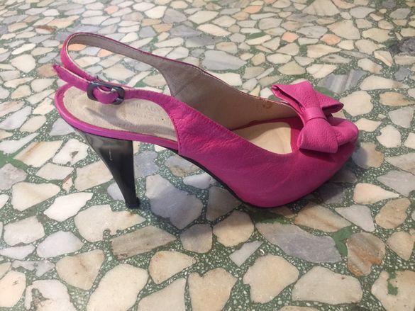 Чисто нови розови обувки 36 номер