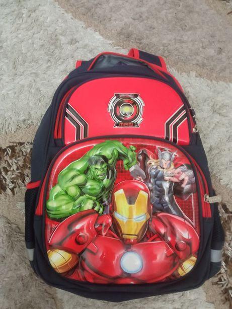 Рюкзак школьный почти новый