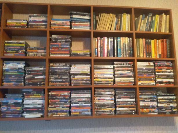 Продаются DVD-диски в огромном количестве