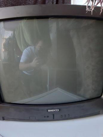 Vand televizor beko cu telecomanda universala putin folosit bine  etc.