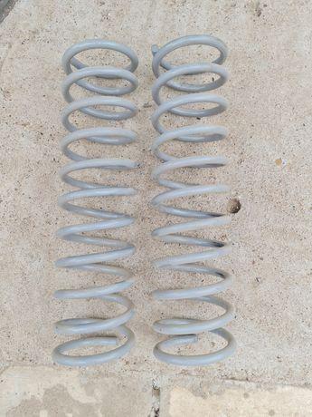 Продам новые задние пружины на Ваз 2111