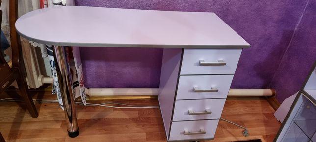 Продам маникюрный стол в идеальном состоянии