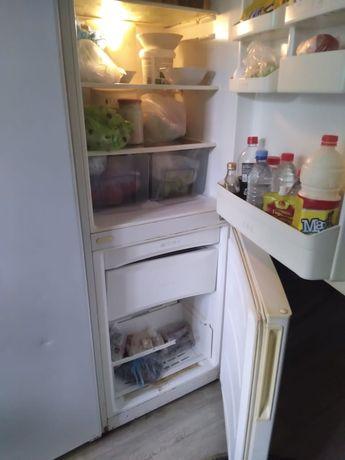Продам холодильник в отличном состояние