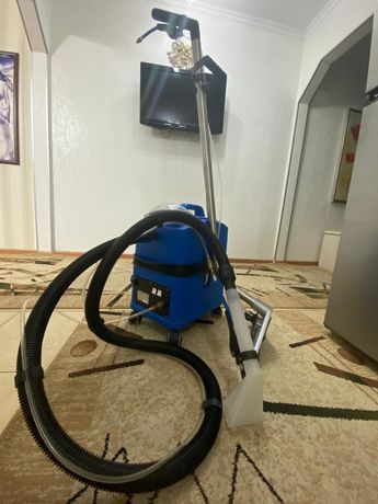 Профессиональный ковровый экстрактор( моющий пылесос )
