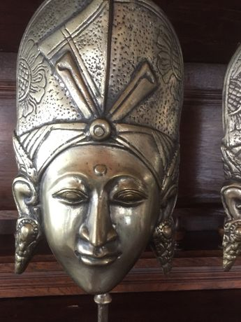Pereche figurine din alama (masti de origine indoneziana )