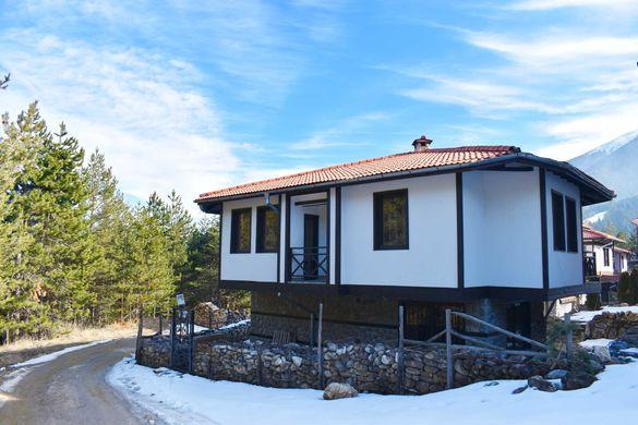 Къщи в гората в Банско