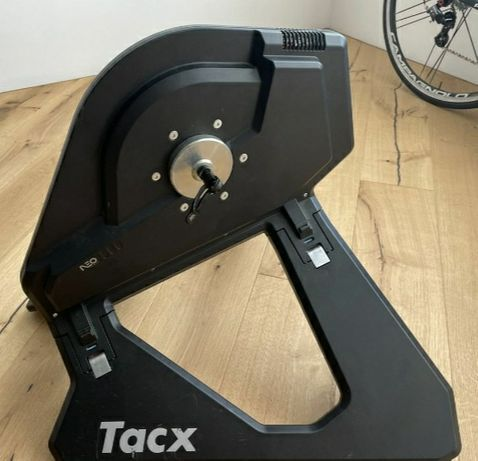 Велостанок Tacx Neo Smart T2800