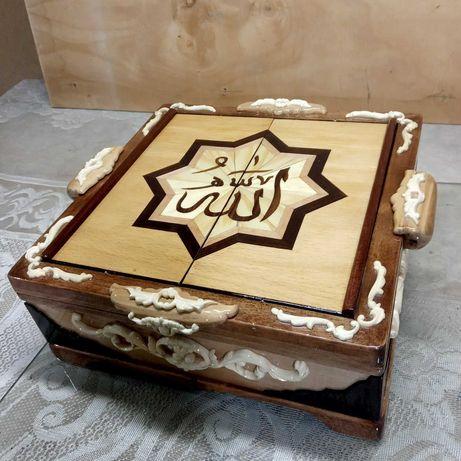 Шкатулка-подставка под Коран