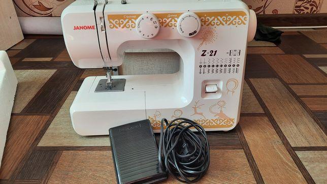 Машинка швейная новый Janome