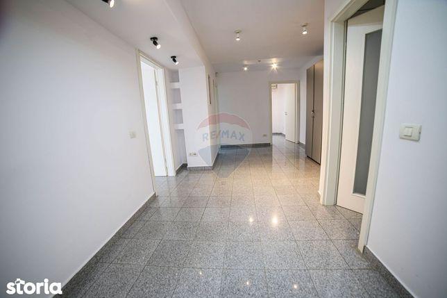 Apartament de 4 camere de închiriat, zona Aviației