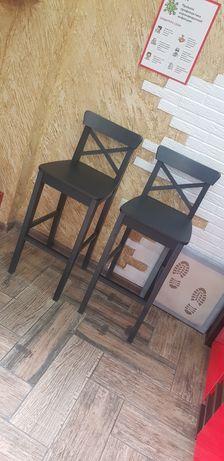 Продам барные стулья новые