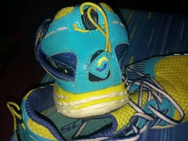 Adidasi scott (reducere la toate produsele)