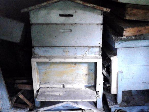 Продавам кошери за пчели