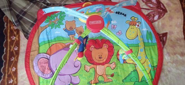 Детский коврик в отличном состоянии