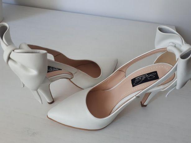 Pantofi mireasa marimea  36 - 37