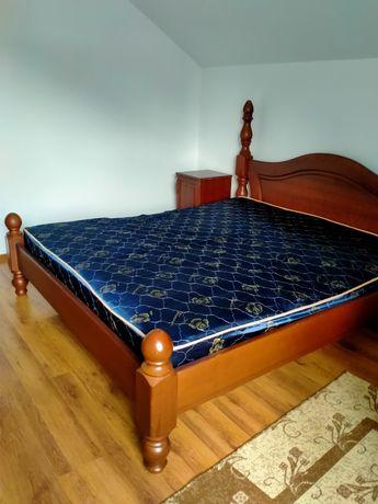 Продам кровать из дерева с двумя тумбочками