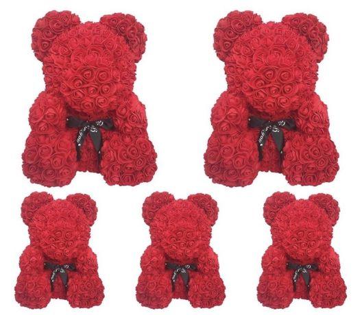Urs din trandafiri artificiali in cutie 25-40 cm 100-170lei