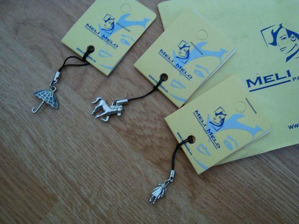 Brelocuri metalice argintii Meli Melo Paris de pus la telefon, geanta,