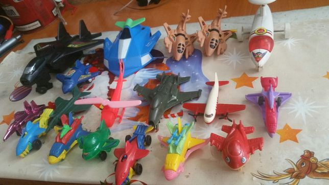 Avioane plastic