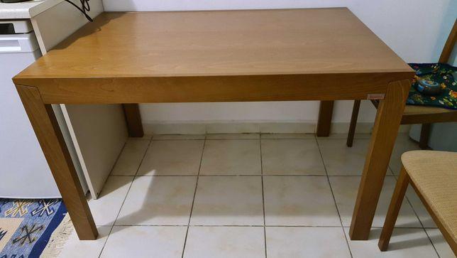 Продам стол и 4 стула к нему. Дерево. Малайзия