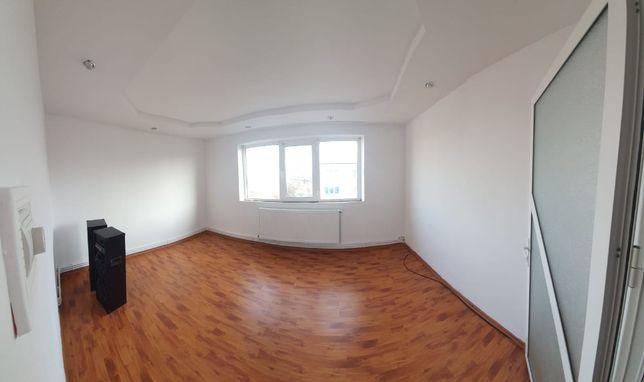 Vand apartament cu 3 camere in Calarasi