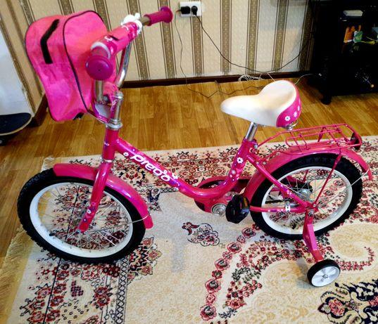 Велосипед детский. Практически новый, отдадим за 15000 тенге.