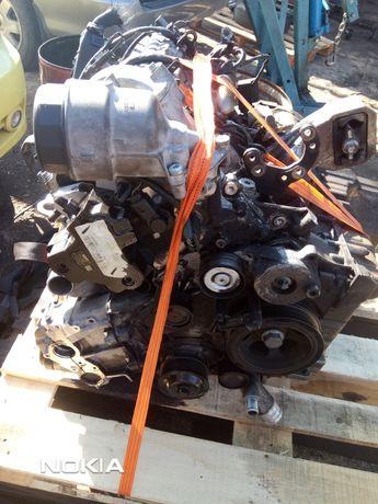 Продавам двигател на части за Jeep 3.0 CRD