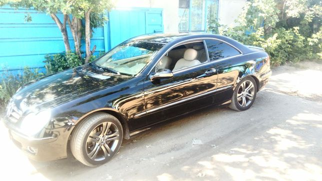 Мерседес Бенц спорт-купе CLK  350