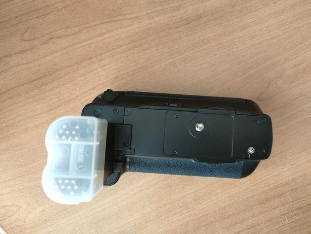 Продам батарейный блок  Canon
