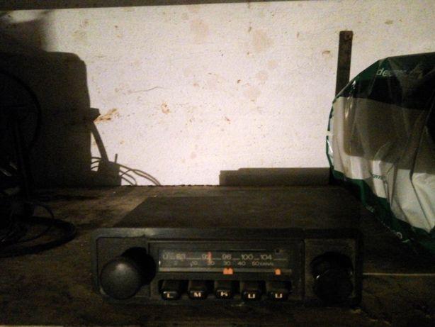 Radio auto de bord