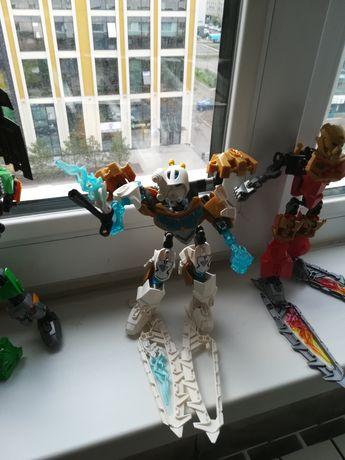 Продам роботы-биониклы. Оригинал.