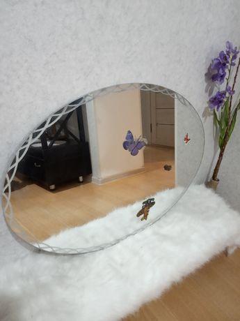 Зеркало овальной формы: 80х60 см,