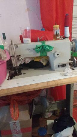 Срочно продаю швейную машинку и оберлок