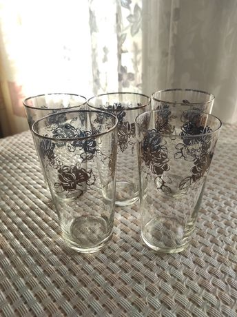 Большие стаканы под напитки!