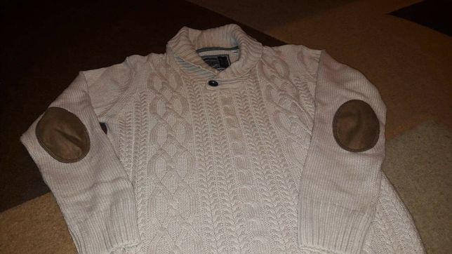 pulovere copi diferite