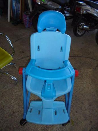 стол за деца с оврежданиа