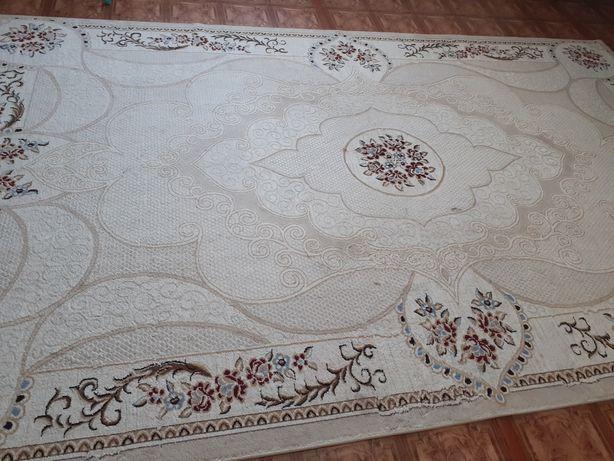 Продаю ковёр в отличном состоянии