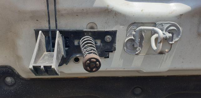 Incuietoare capota Renault master 3