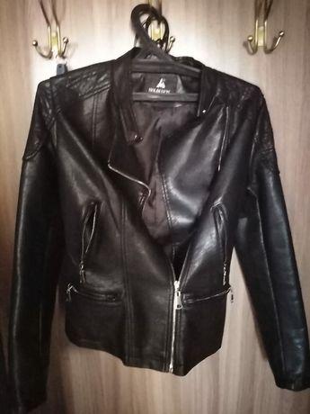 Продам куртку из кожзаменителя