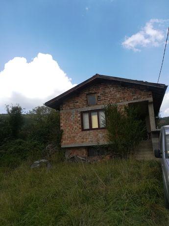 Къща, вила