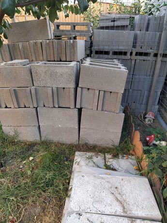 Vand boltari de gard din beton