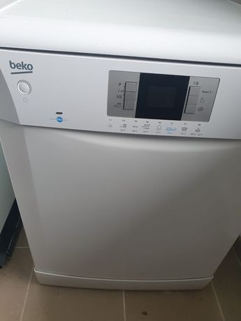 Mașina de spălat vase 13 seturi