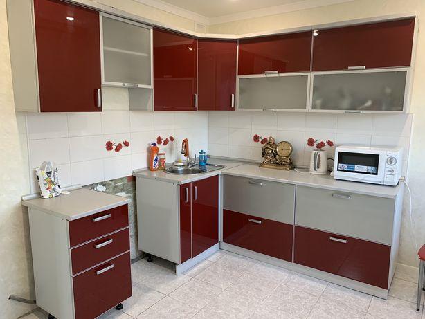 СРОЧНО! Продам кухонный гарнитур за 100 000 тнг. Торг.