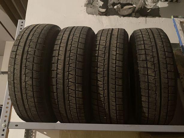 Продам зимние шины Близак 215/60/R17